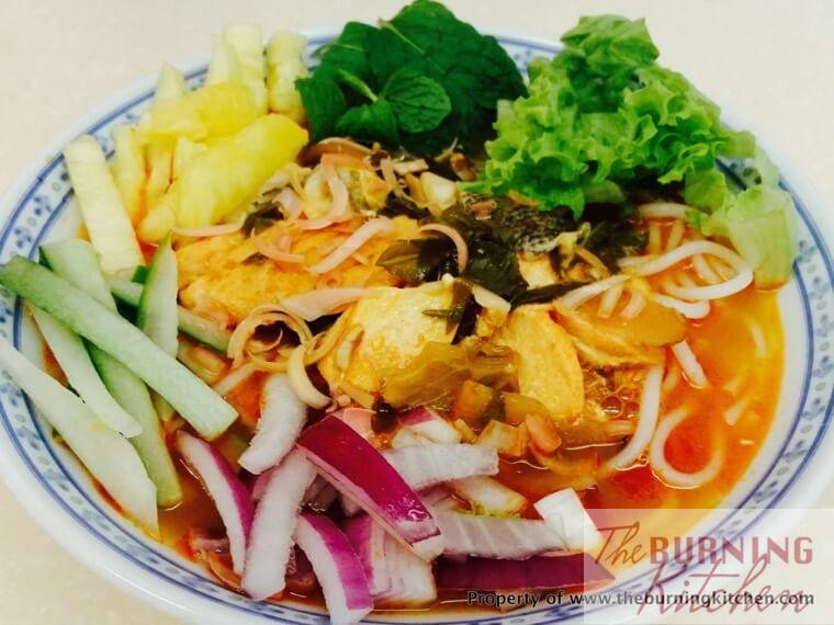 Penang Assam Laksa with Salmon: For all the Penang laksa lovers out there, here's a premium version of Assam Laksa using salmon instead of sardine. The tangy, sour and spicy flavours are highly addictive, and you'll find yourself wanting more and more!