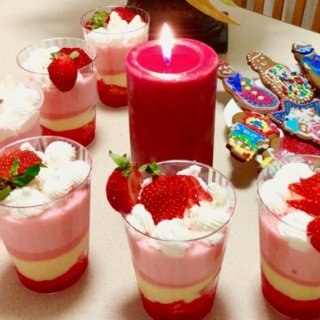 Easy No-Bake Strawberry Trifle Recipe
