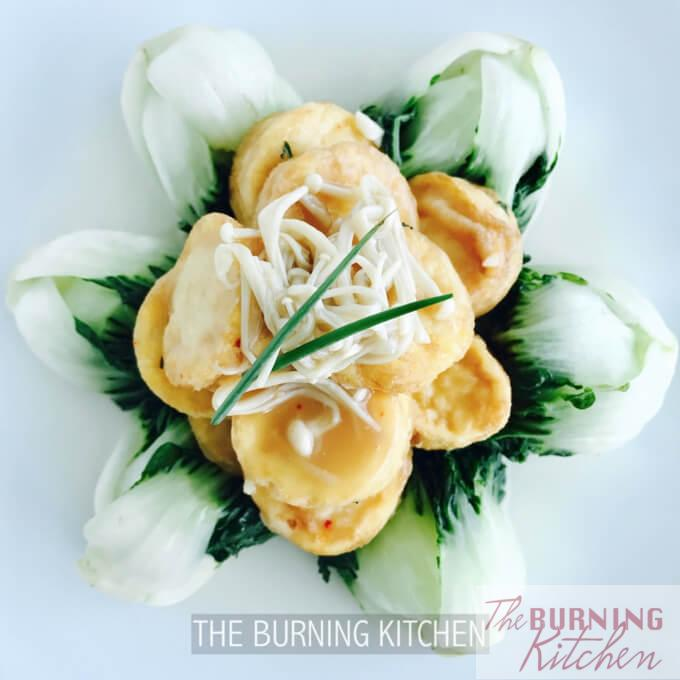 Egg Tofu with Nai Bai (Milk Cabbage): Here's another fun way to eat egg tofu. After frying the egg tofu until golden brown, pile on top of a bed of milk cabbage and top with delicious enoki mushrooms - all in just 30 minutes!