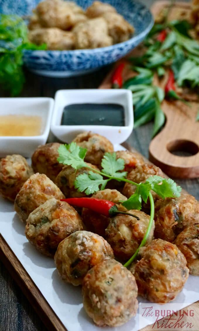 Deep Fried Prawn Roll (Hei Zho): Hei Zho is a Teochew and Hokkien favourite dish served during the Chinese New Year. It is similar to Ngor Hiang except that it contains more prawn and is in the shape of beads, wherea Ngoh Hiang resembles sausage.