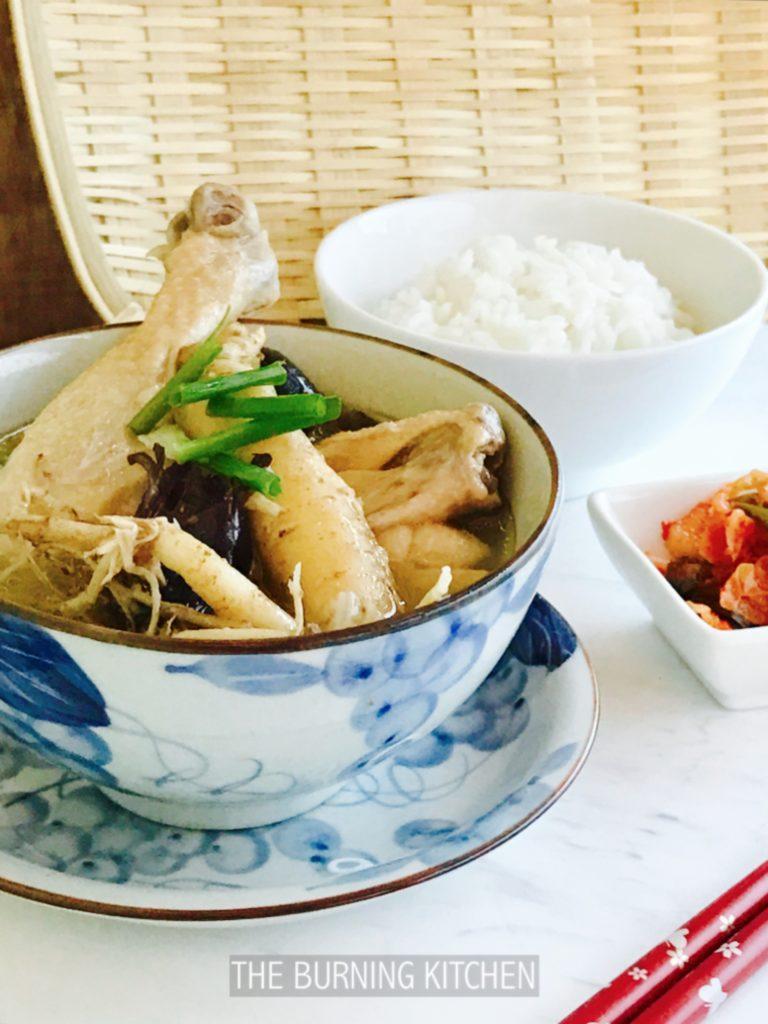 Korea Ginseng Chicken Soup (Sangyetang)