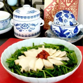 Chinese Spinach (Phuay Leng) with Sliced Abalone Recipe
