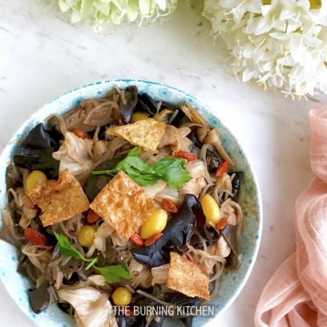 Chap Chye (Braised Mixed Vegetables) come in many styles - Nyonya... Hokkien... Cantonese... each with their own unique flavours and favourite ingredients. Which style is your favourite?