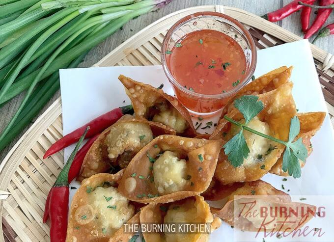 Crispy Wonton with Thai Sweet Chilli Sauce: Dig into this decadent golden crispy treat served with Thai Sweet Chilli Sauce for that burstof juicy, crispy, sweet and savoury flavours with each bite! Serve with Hong Kong noodles or simply on its own!