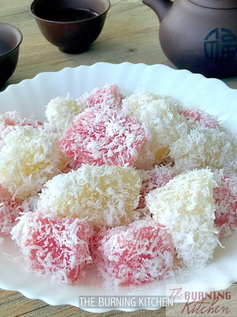 Steamed Tapioca Cake (Cassava Cake / 木薯糕 / Kueh Ubi Kayu): Nothing beats freshly made tapioca (cassava) cake! This steamed cake is soft and aromatic as it uses freshly grated tapioca and coconut.