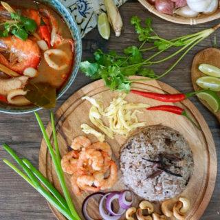 Thai Black Olive Fried Rice ( Khao Phad Nahm Liap Dum)