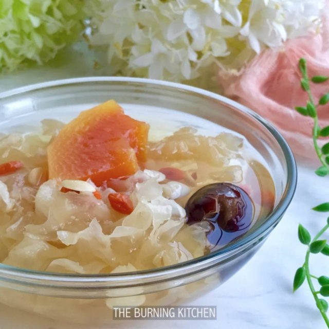 Papaya and Snow Fungus Sweet Soup